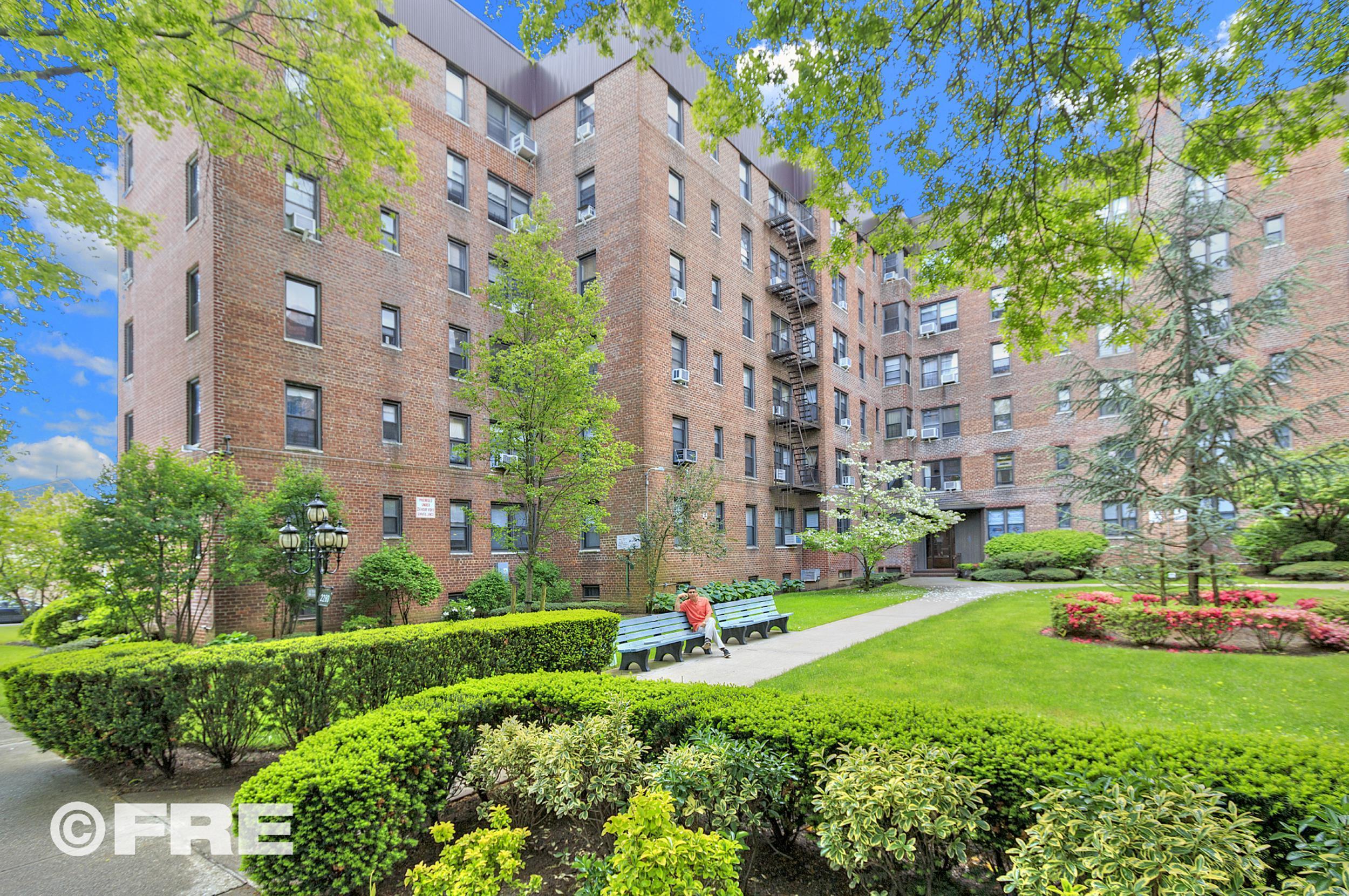 co-op buildings in Brooklyn, real estate agents in brooklyn