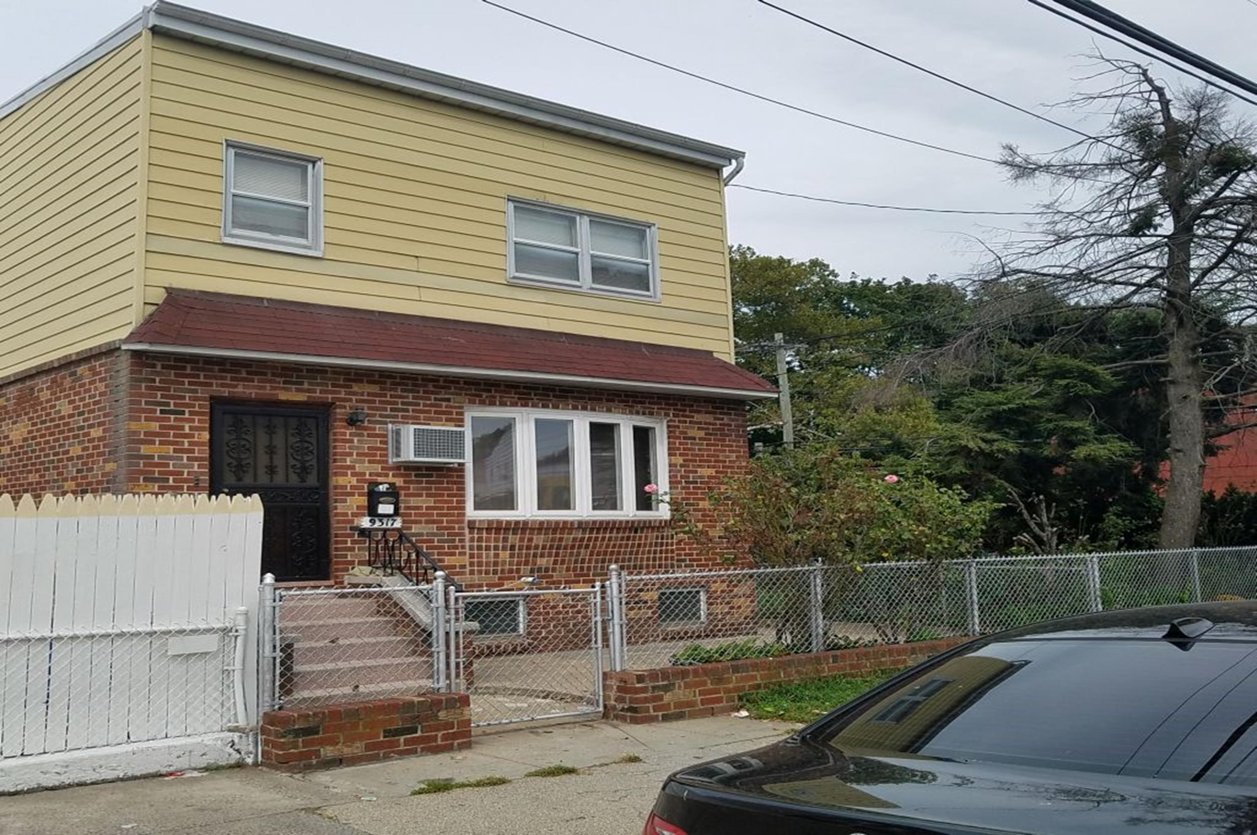 detached 2 family home in Canarsie Brooklyn