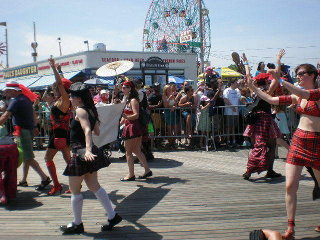 Things to do in brooklyn this weekend sat may 16th su for Things to do in new york this weekend