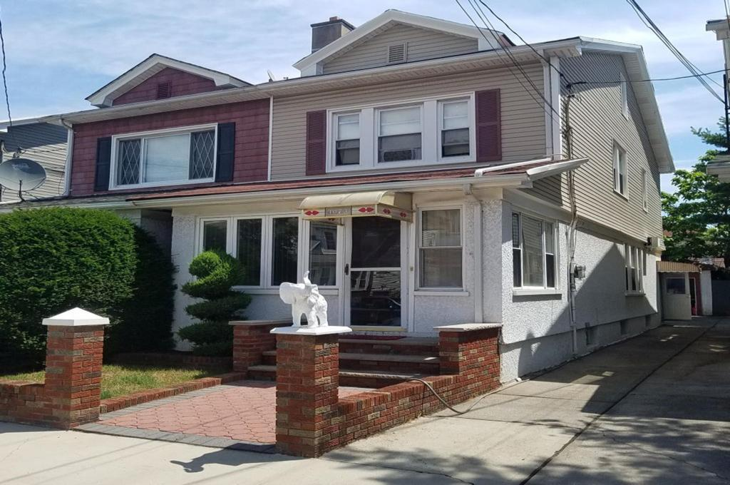 semi attached one family homes in flatbush brooklyn, real estate agents in flatbush brooklyn