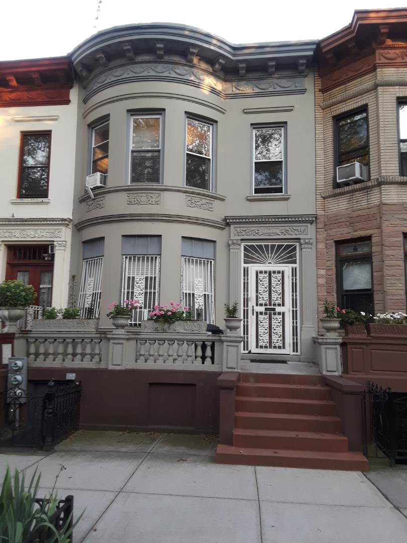 attached limestone homes in brooklyn, real estaet agents in brooklyn