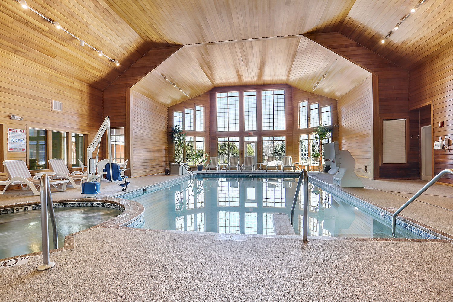 Door County Condos with indoor pools