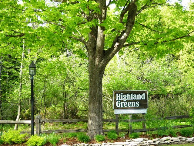 Highland Greens condo for sale $139,900