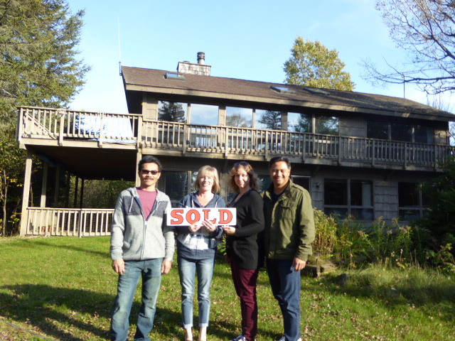 My Happy Door County Lakefront Bargain Hunt Family