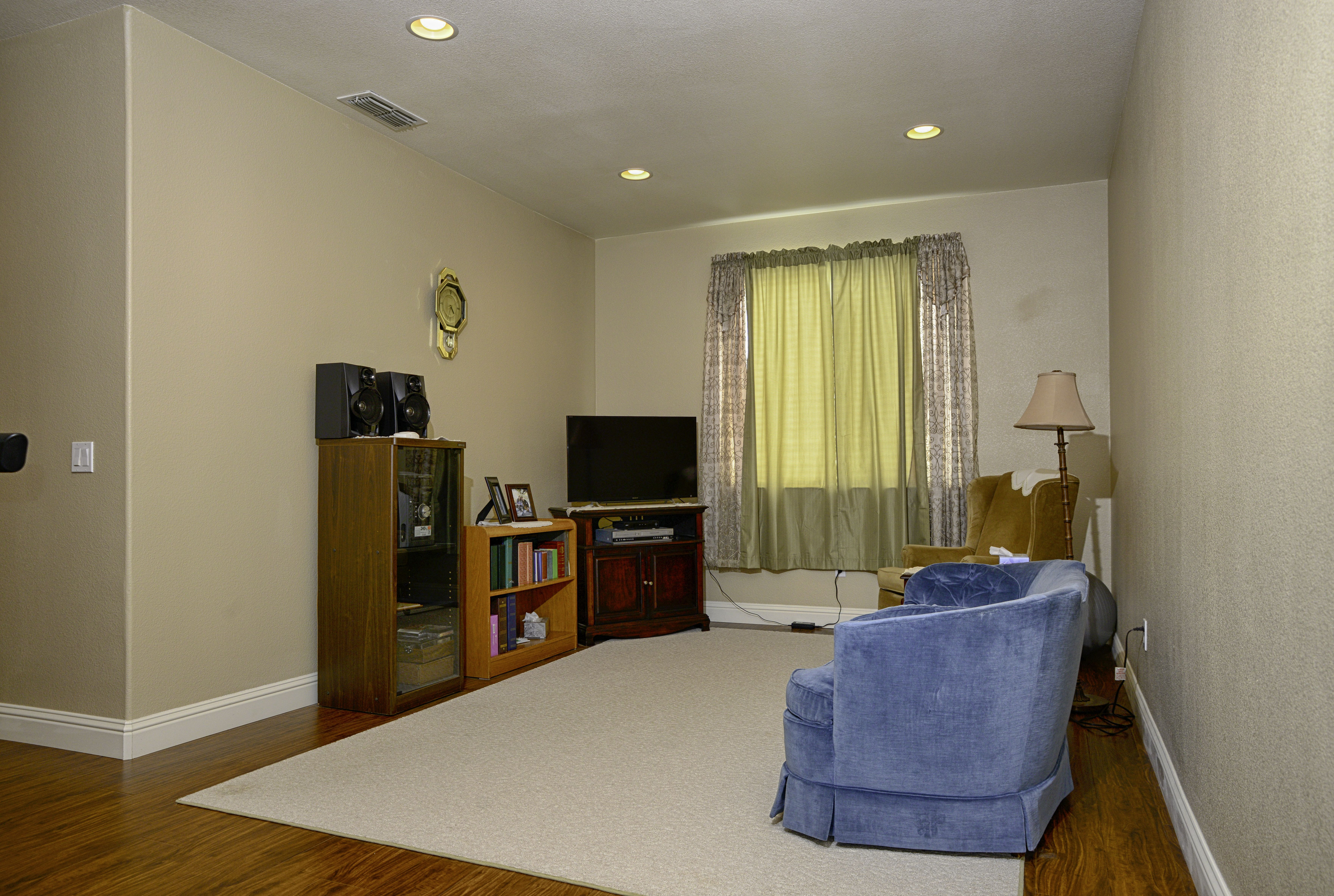 Buy El 20043 Bathroom Ceiling Light: 9400 Roan Ranch Cir. Elk Grove 5 Bedroom Home For Sale