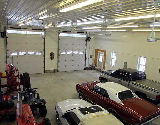 barn shop garage photo