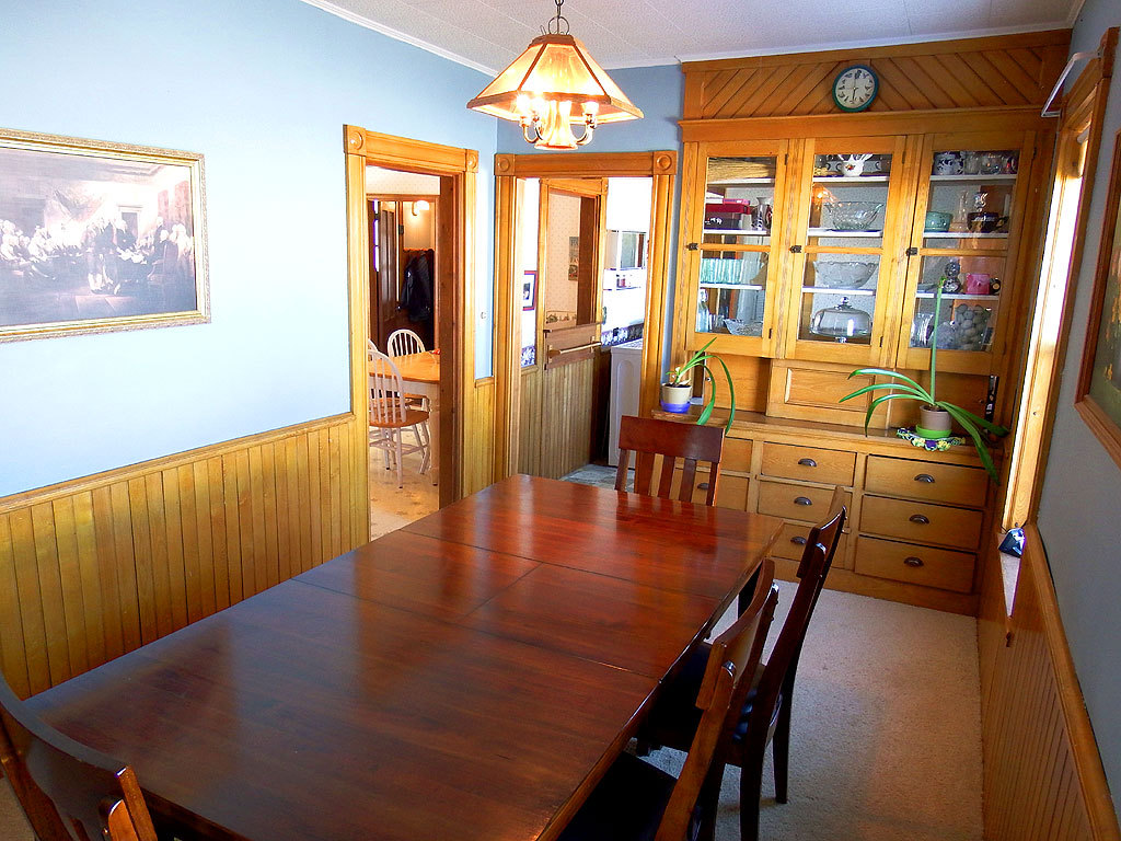farm home dining room photo