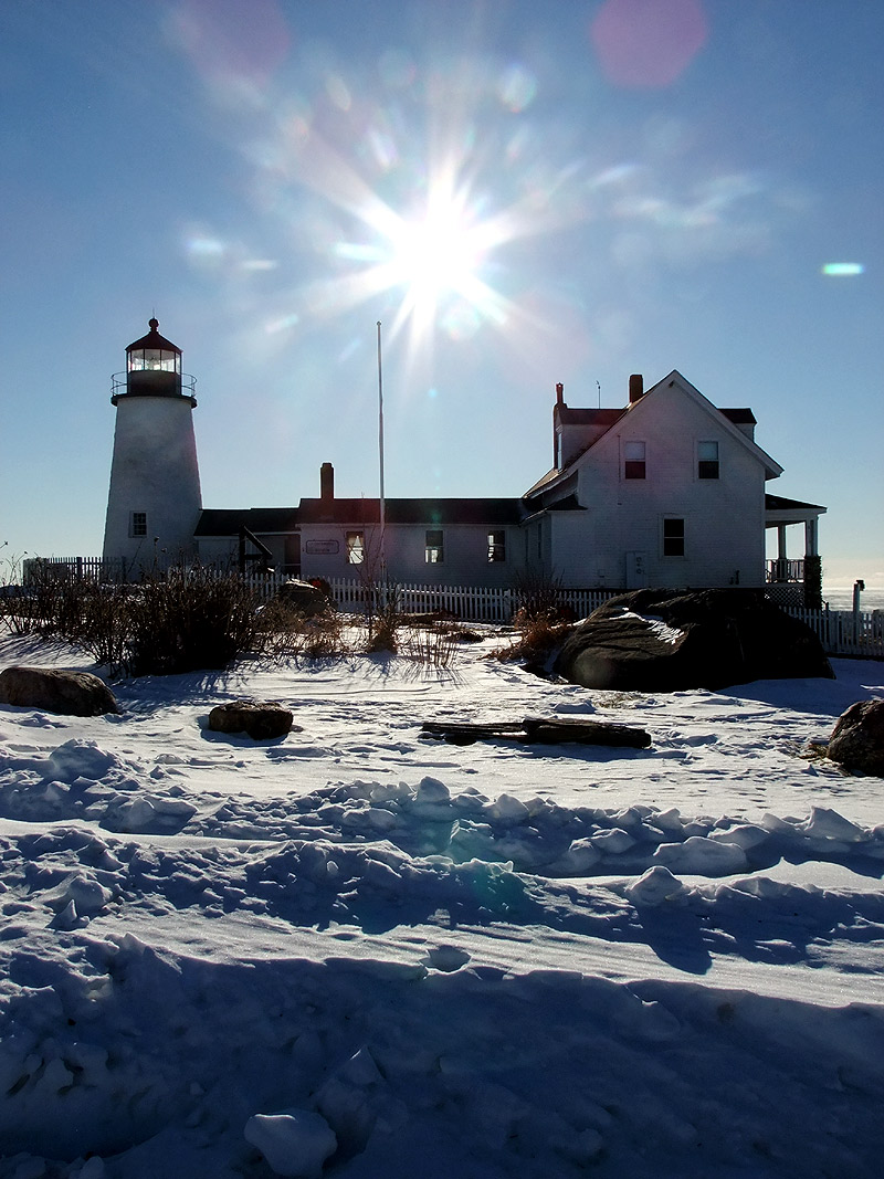 lighthouse in maine photo
