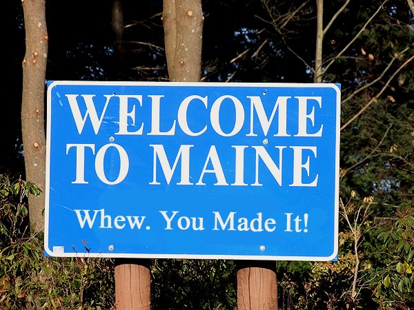 welcome to maine tourism sign photo