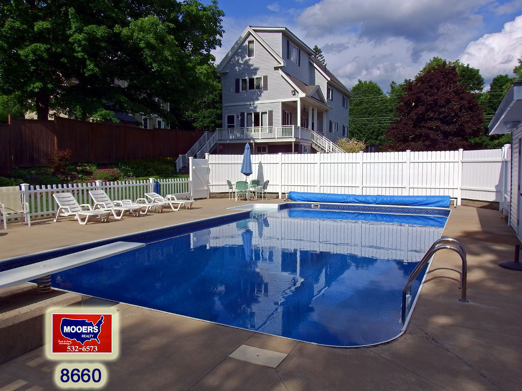 Homes with pools for sale in maine for Public swimming pools locations maine