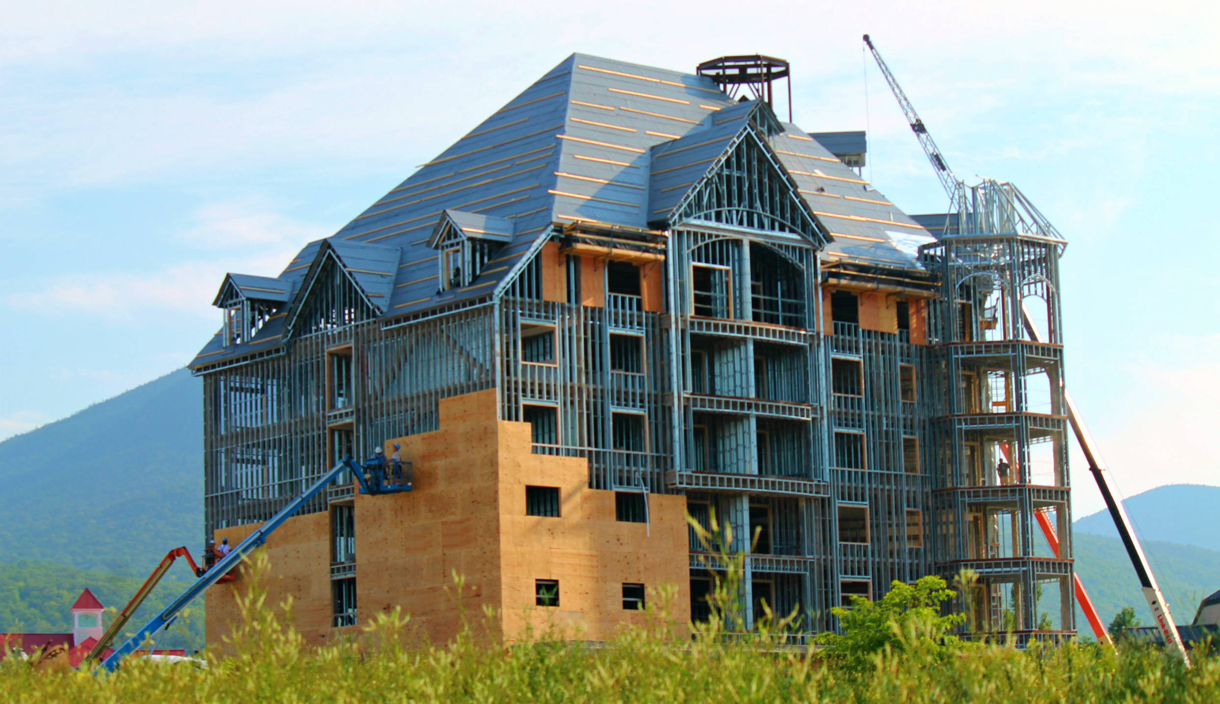 Loon mt lincoln nh new construction condos 2015 16 for New construction in nh