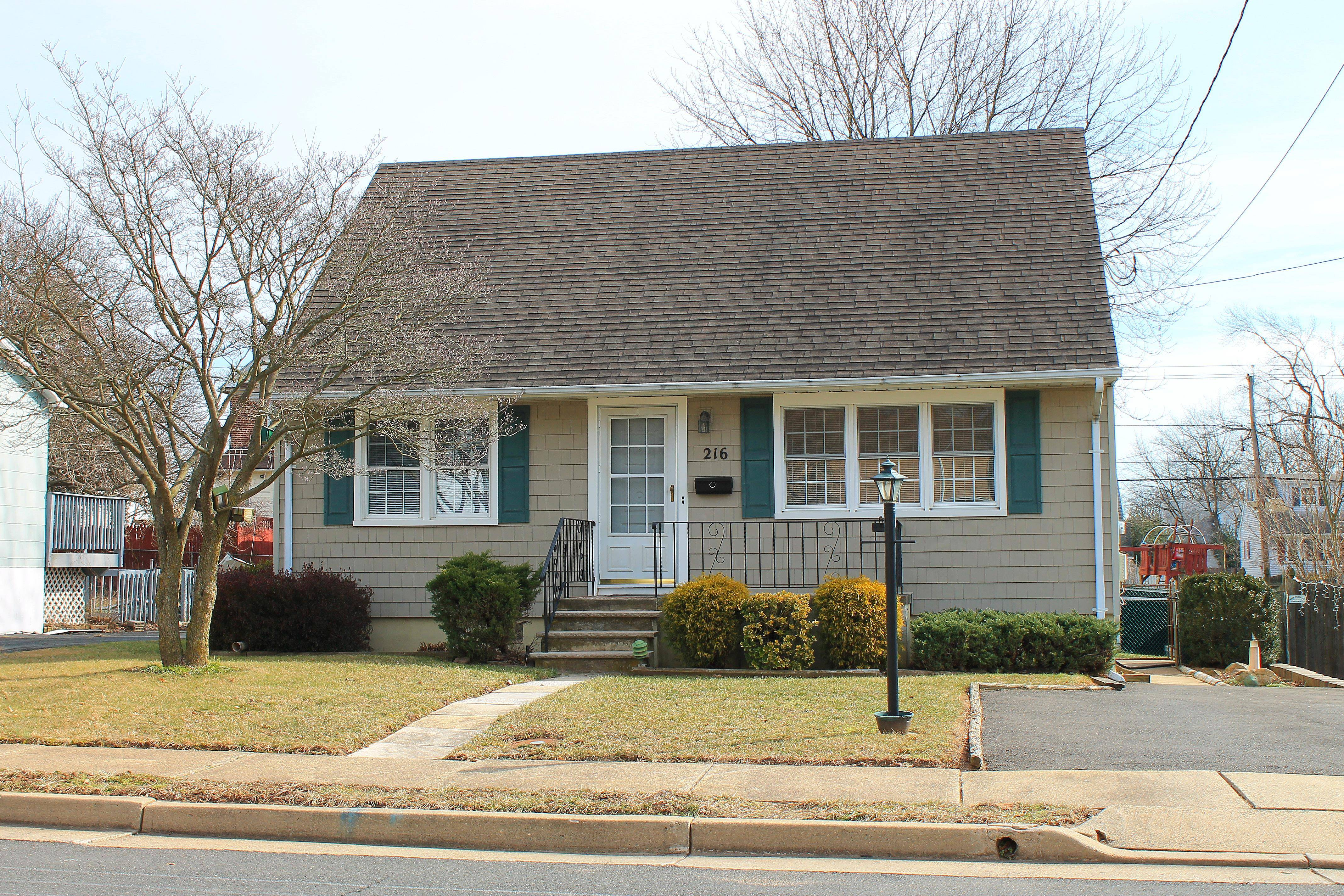 Manville NJ Somerset County Single Family 4 Bedroom 2 Bath Home