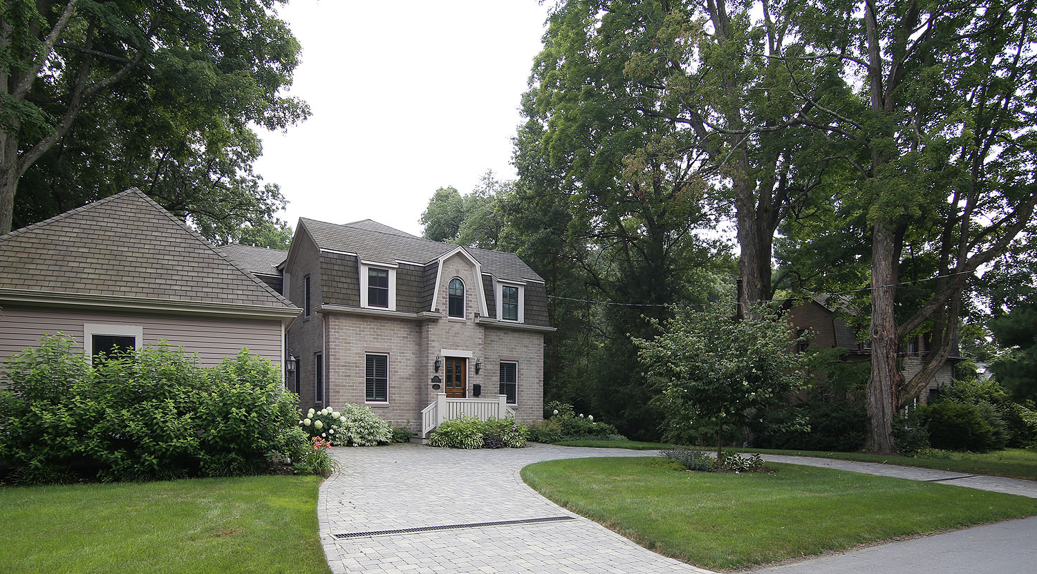 Homes for sale near lasell college in newton ma for Home for sale in mass