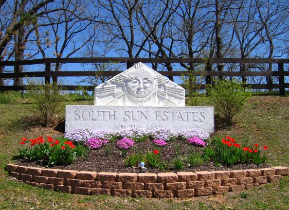 South Sun Estates on Beaver Lake in Rogers, AR