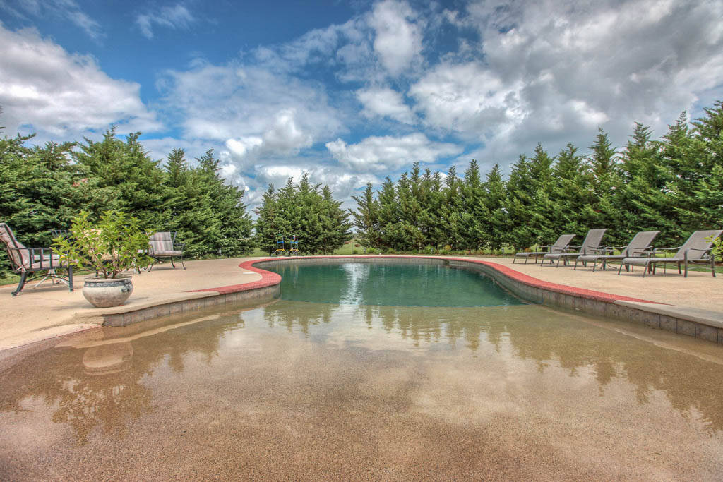 bentonville luxury home on 2 acre with pool