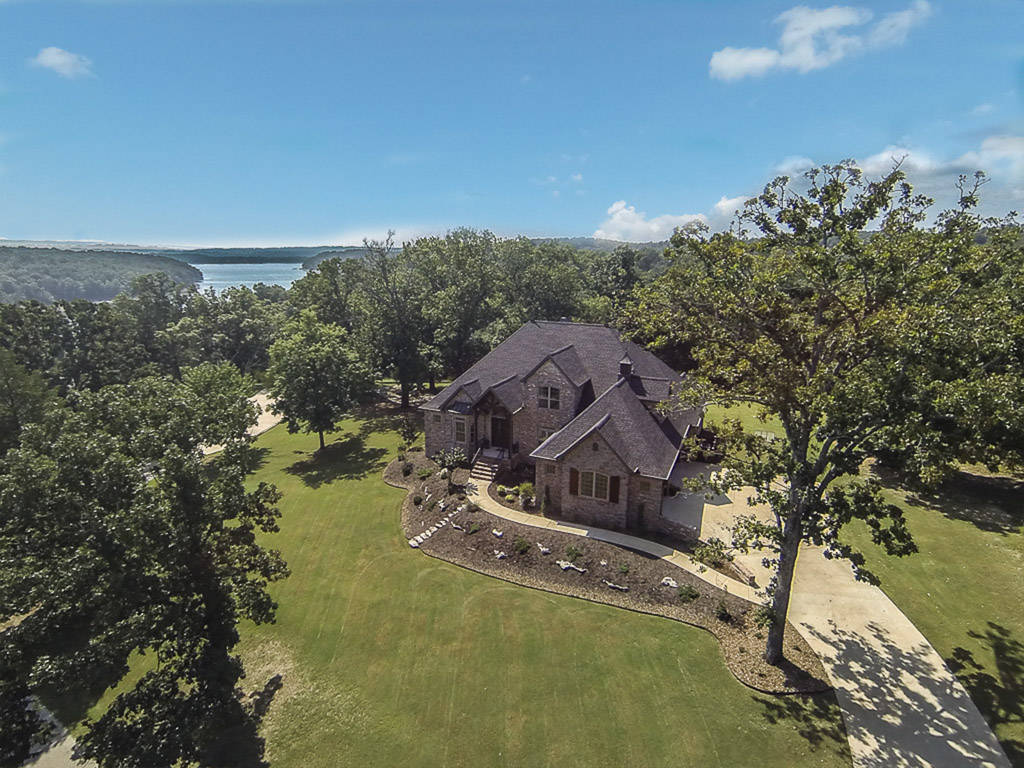 Home for sale on Beaver Lake