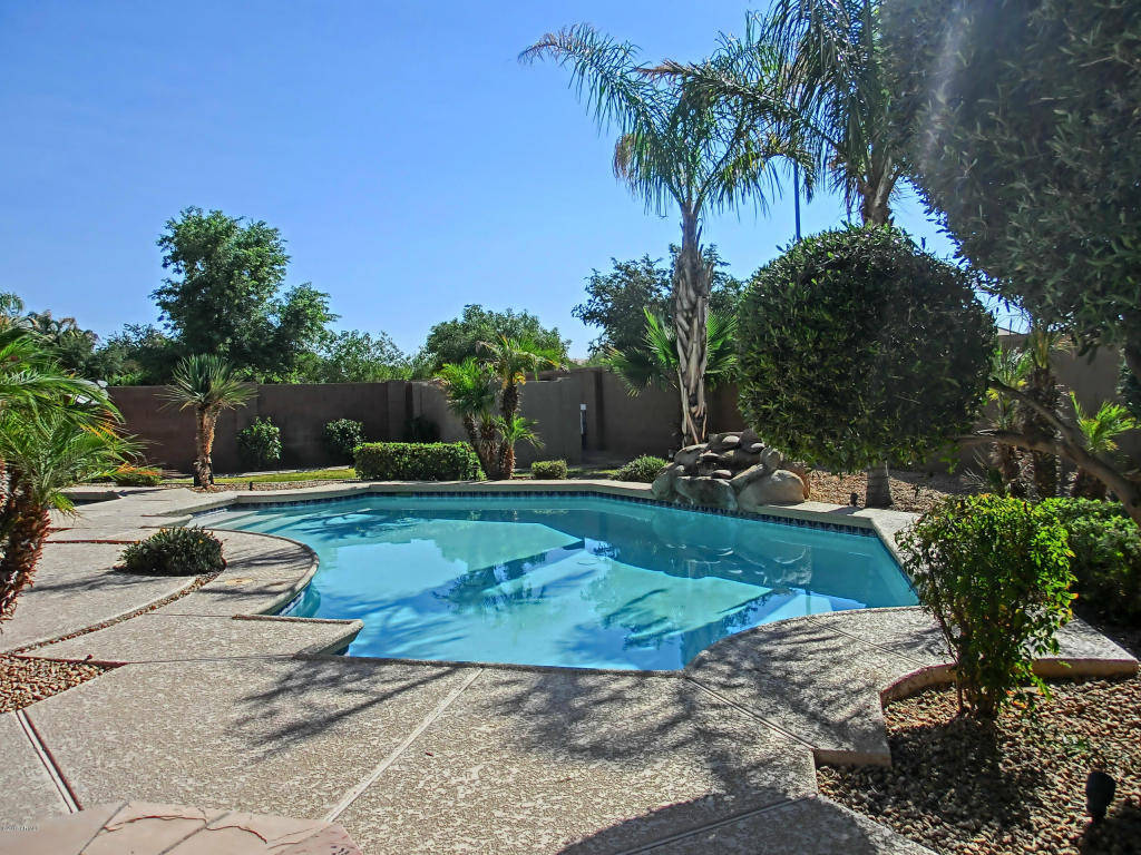 homes for sale in gilbert az with pools august 2015