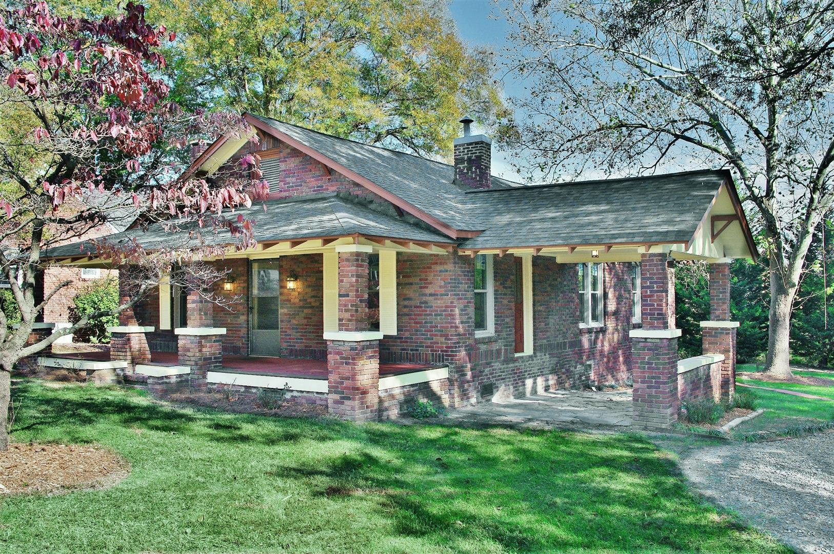 Restored 1927 Craftsman Bungalow Near Historic District In