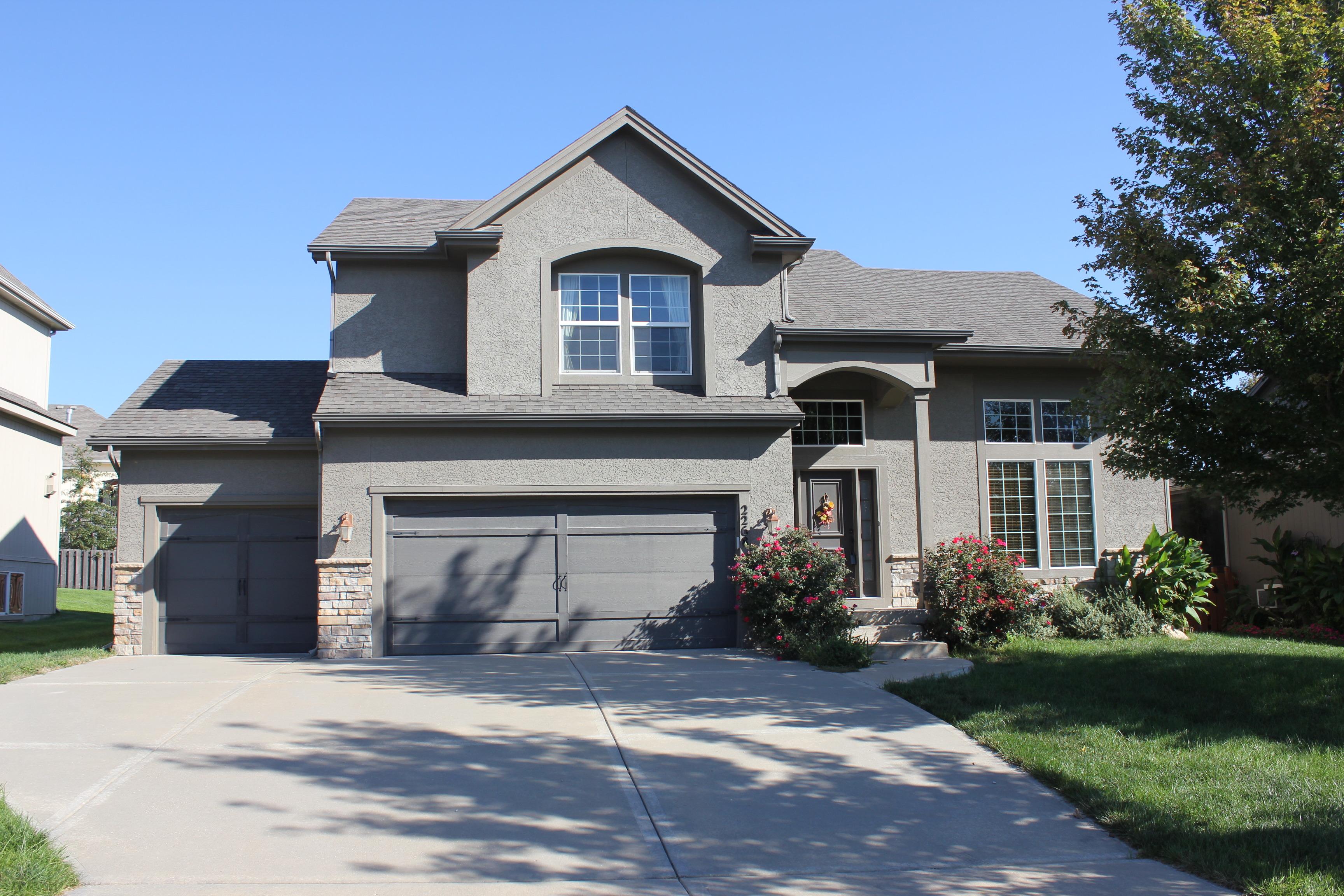 Briarwood Homes For Sale Olathe Ks