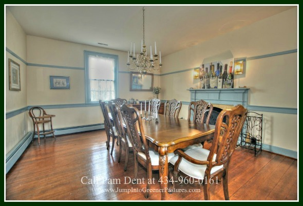 Virginia Historic Homes - The formal dining room of this Central Virginia historic home for sale makes a perfect setting for any dining table you may want to use, and is a great place to entertain or simply have dinner with friends and family.