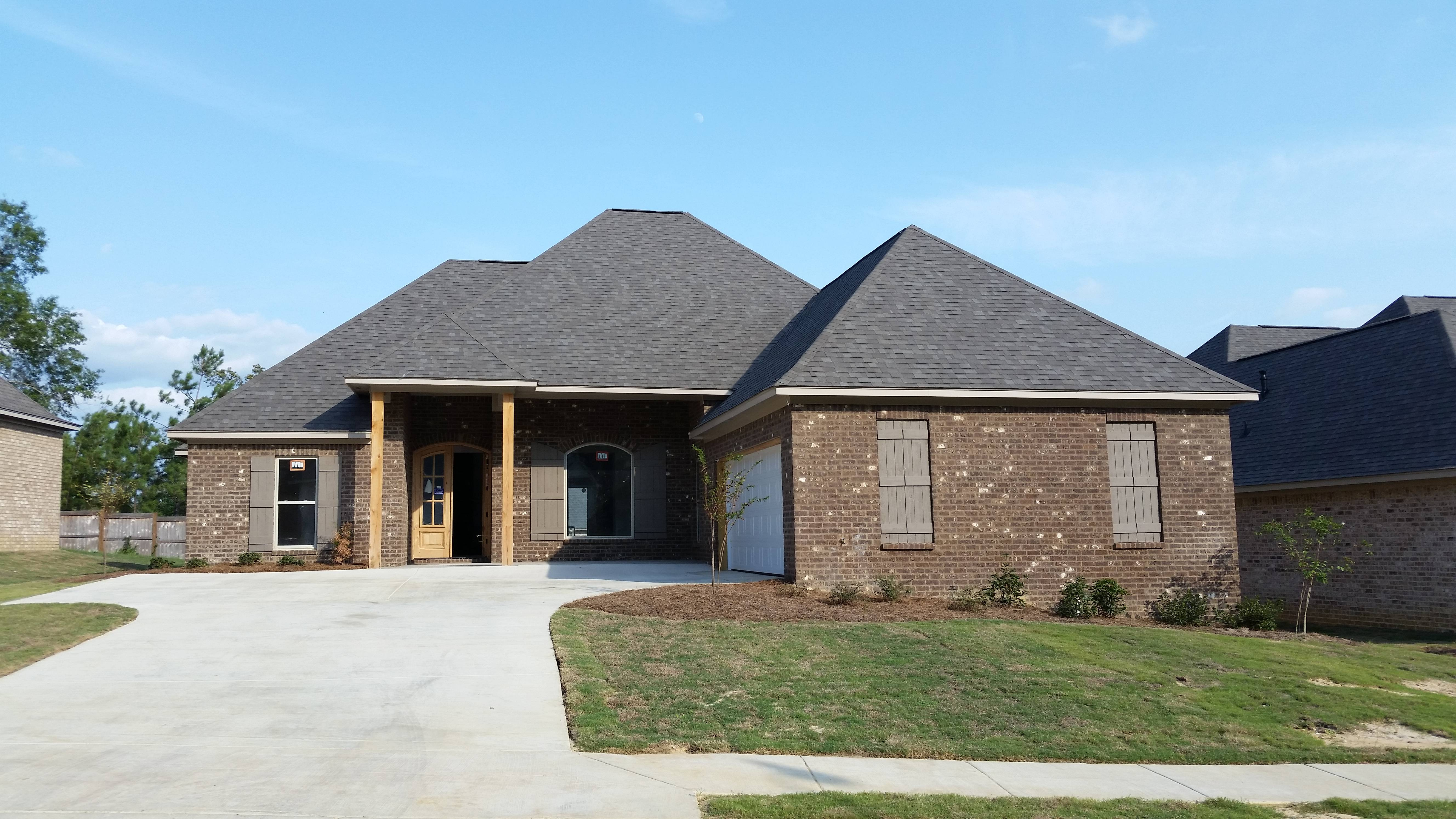 Homes for sale in scottish hills brandon ms 39047 for Usda homes for sale in ms