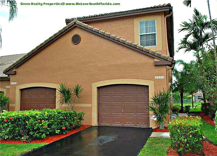 Rented 1231 presidio dr weston fl 33327 for Garage da silva