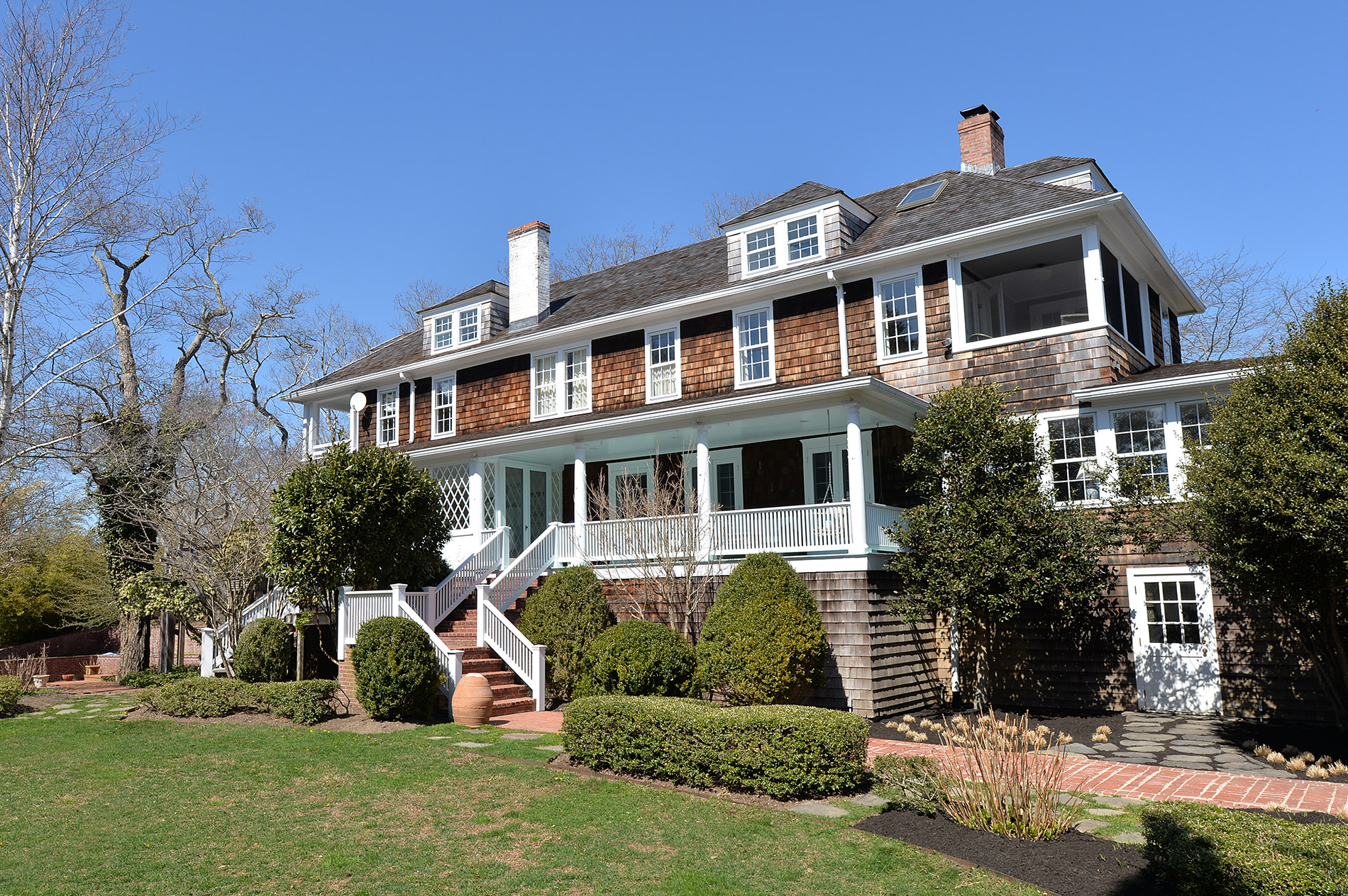Image gallery houses east hampton ny for Mansions in the hamptons for sale
