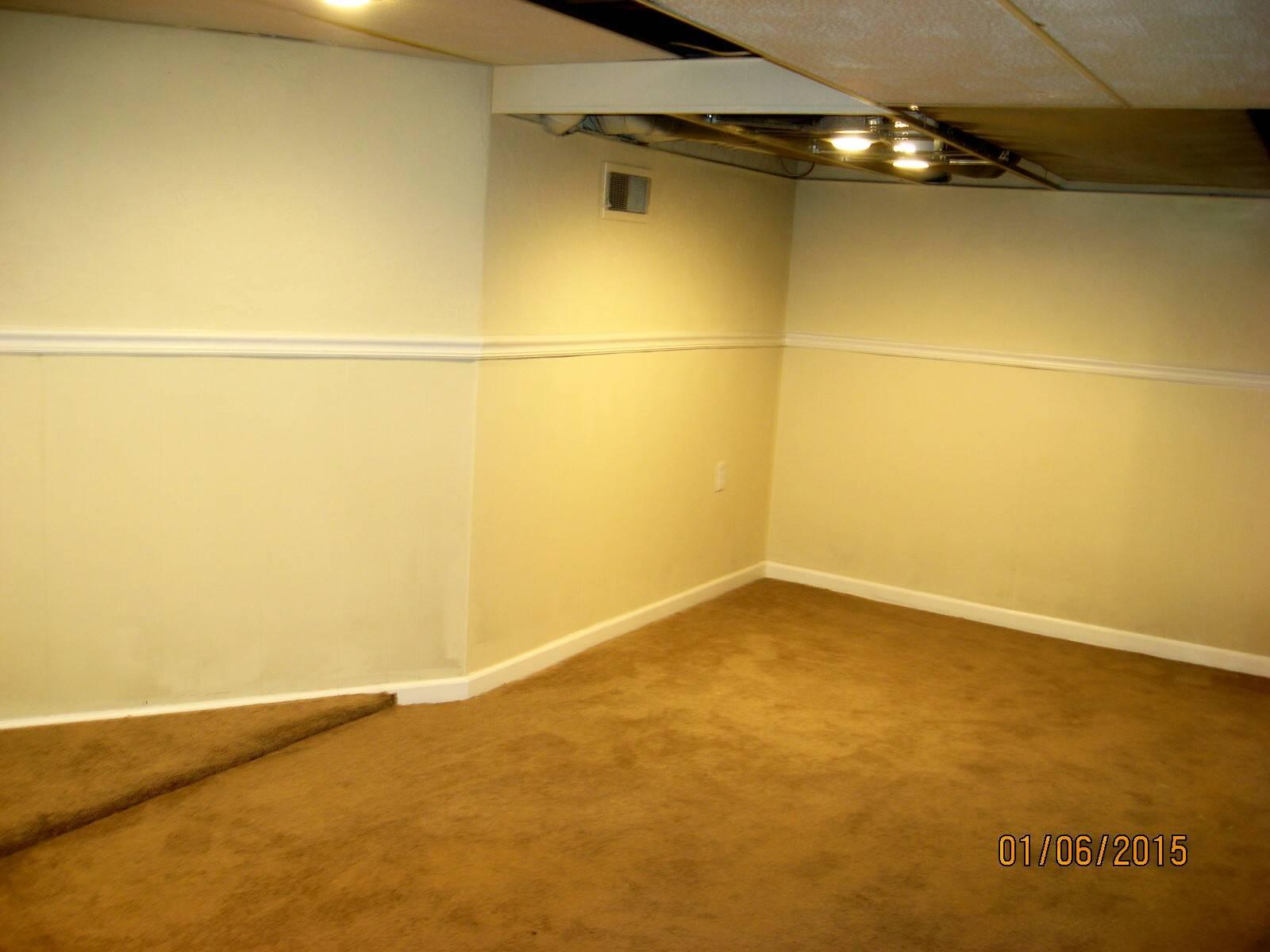 2384 24th st moline illinois 4 bedrooms 3 full bat for Hardwood floors quad cities