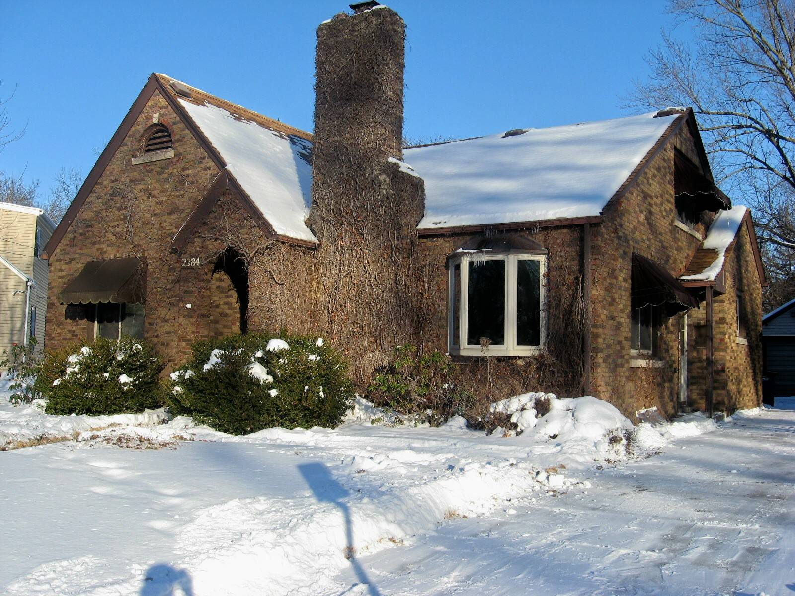 2384 24th st moline illinois 4 bedrooms 3 full bat for Garage molines peymeinade