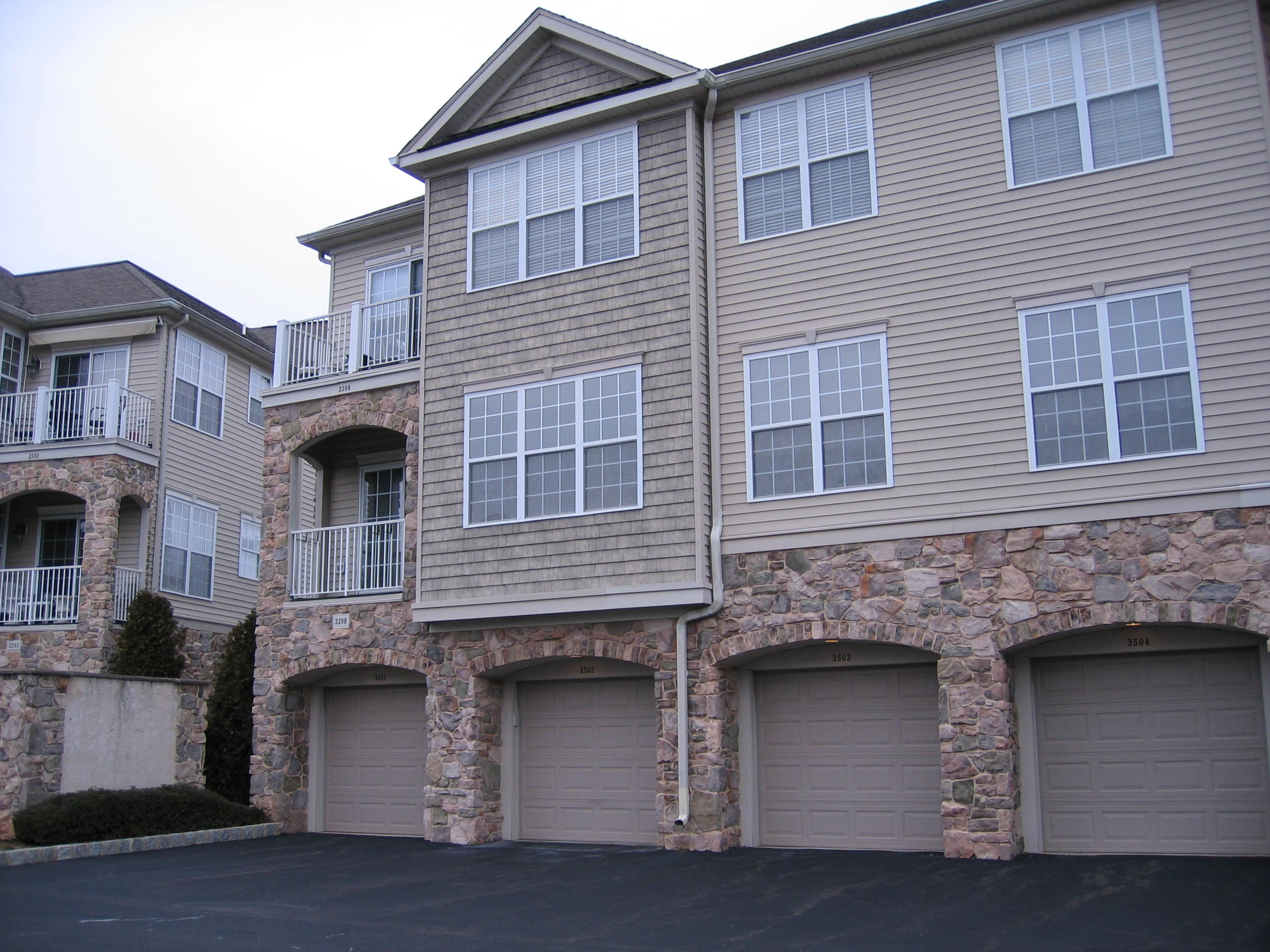 Homes for sale under 200 000 in warwick township cb for Houses under 200000