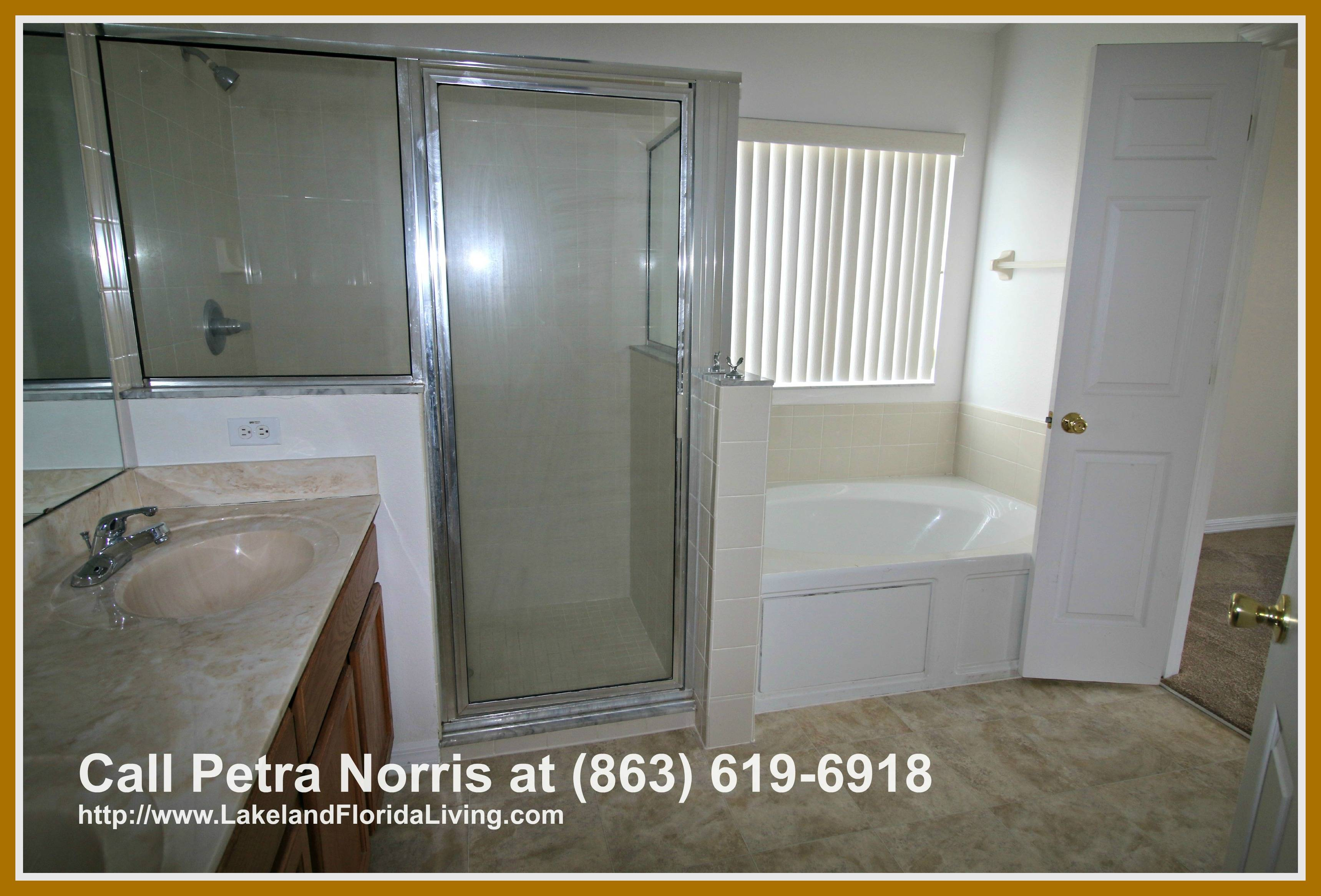 This 4 bedroom home for sale in Winter Haven FL boasts of 3 spotless full baths that are installed to give you quality personal time.