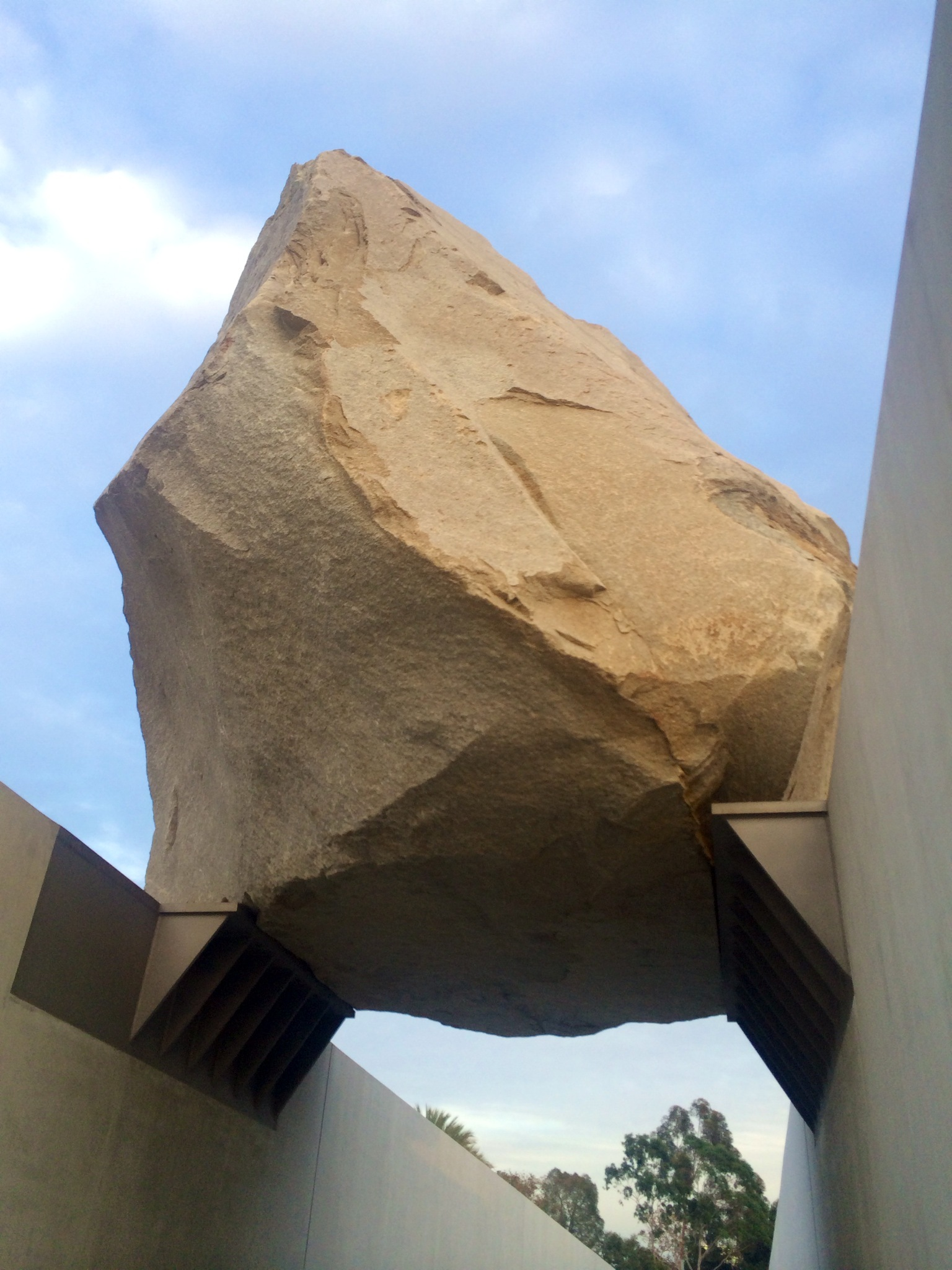 Levitated Mass By Michael Heizer At Lacma