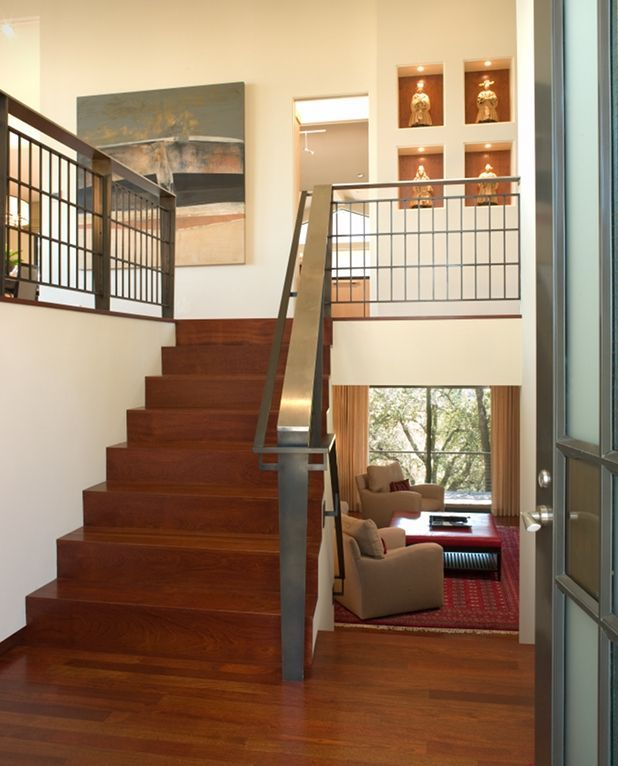 Are split level homes bad feng shui for Bi level foyer ideas