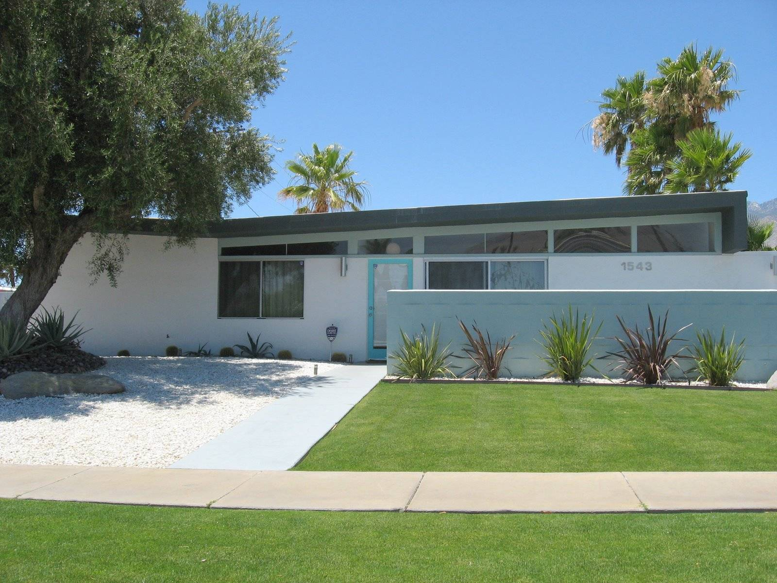 Mid century palm springs homes for sale for Palm springs mid century modern homes for sale