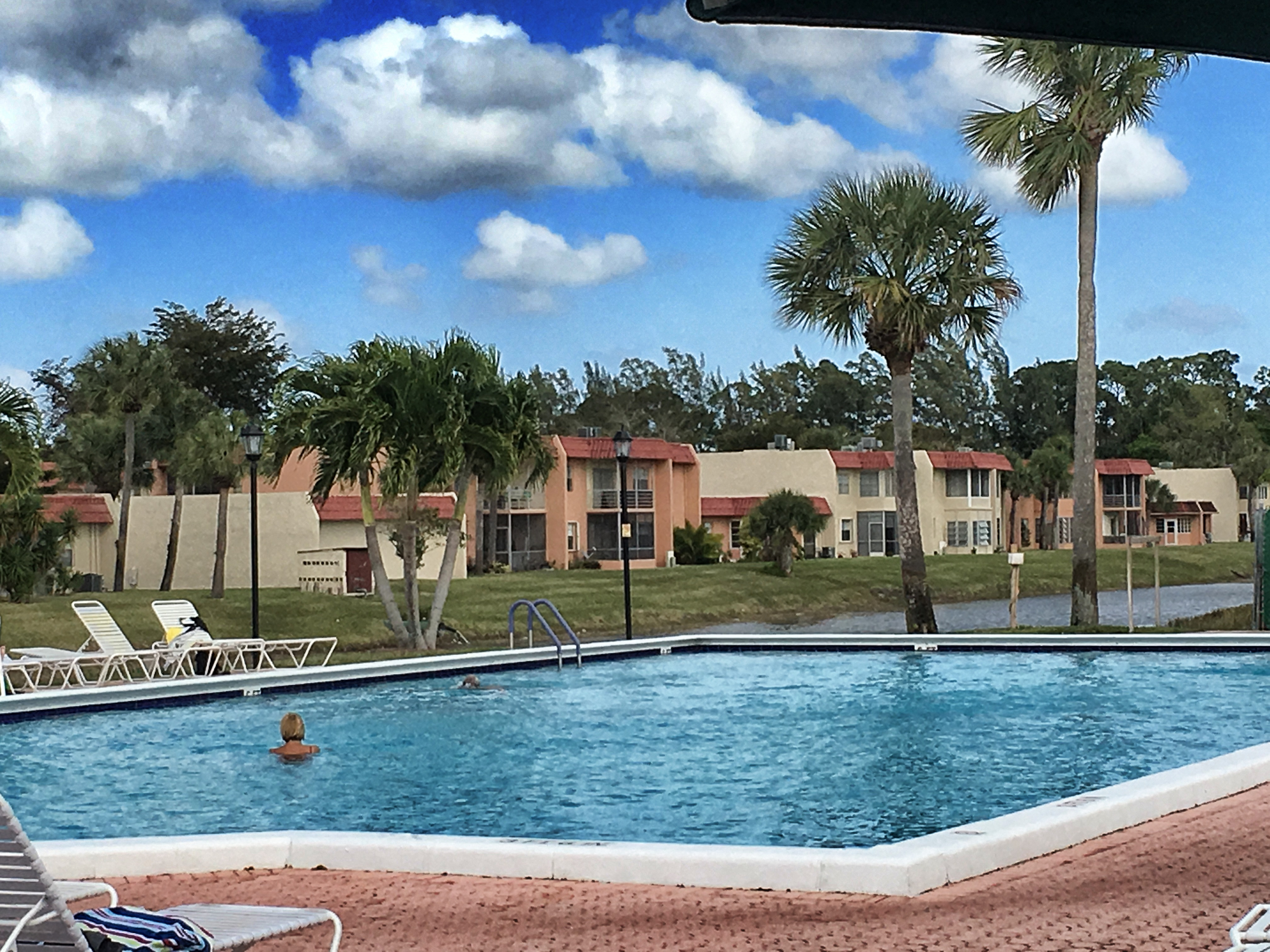 Guard Gated Golden Lakes Condo In West Palm Beach