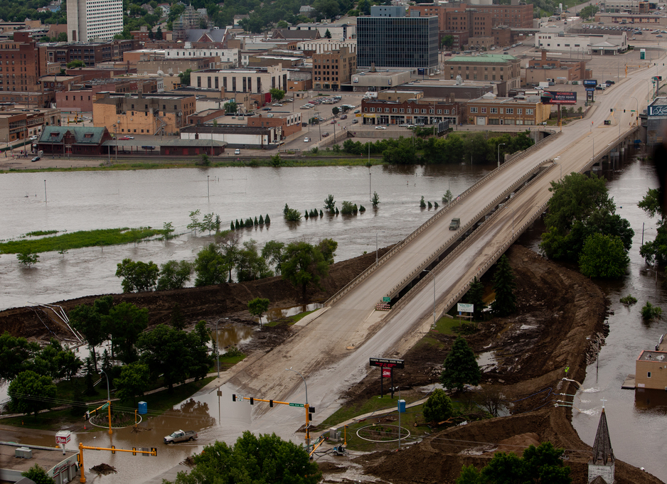 North Broadway Bridge during 2011 flood