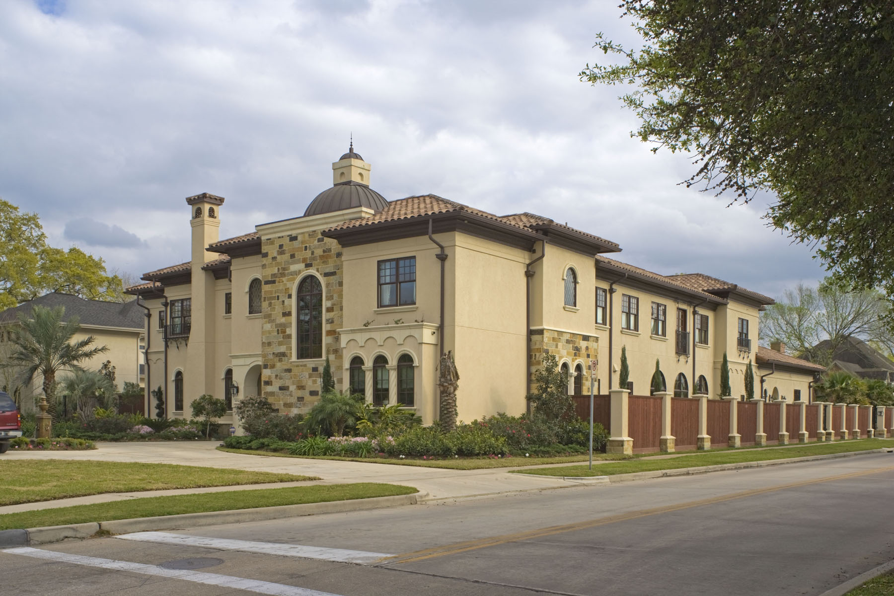homes for sale in bellaire neighborhood houston tx