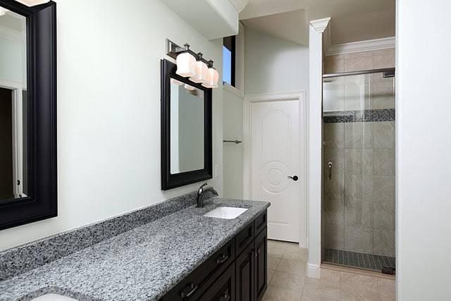 Custom home building tips guest bath make over for Custom home building tips