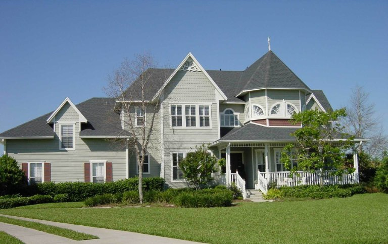 Custom homes why solar power isn 39 t a popular feature i for Designer homes of central florida