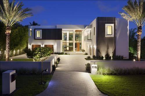 Boca raton luxury homes hosting modern art masterpiece for Modern homes florida
