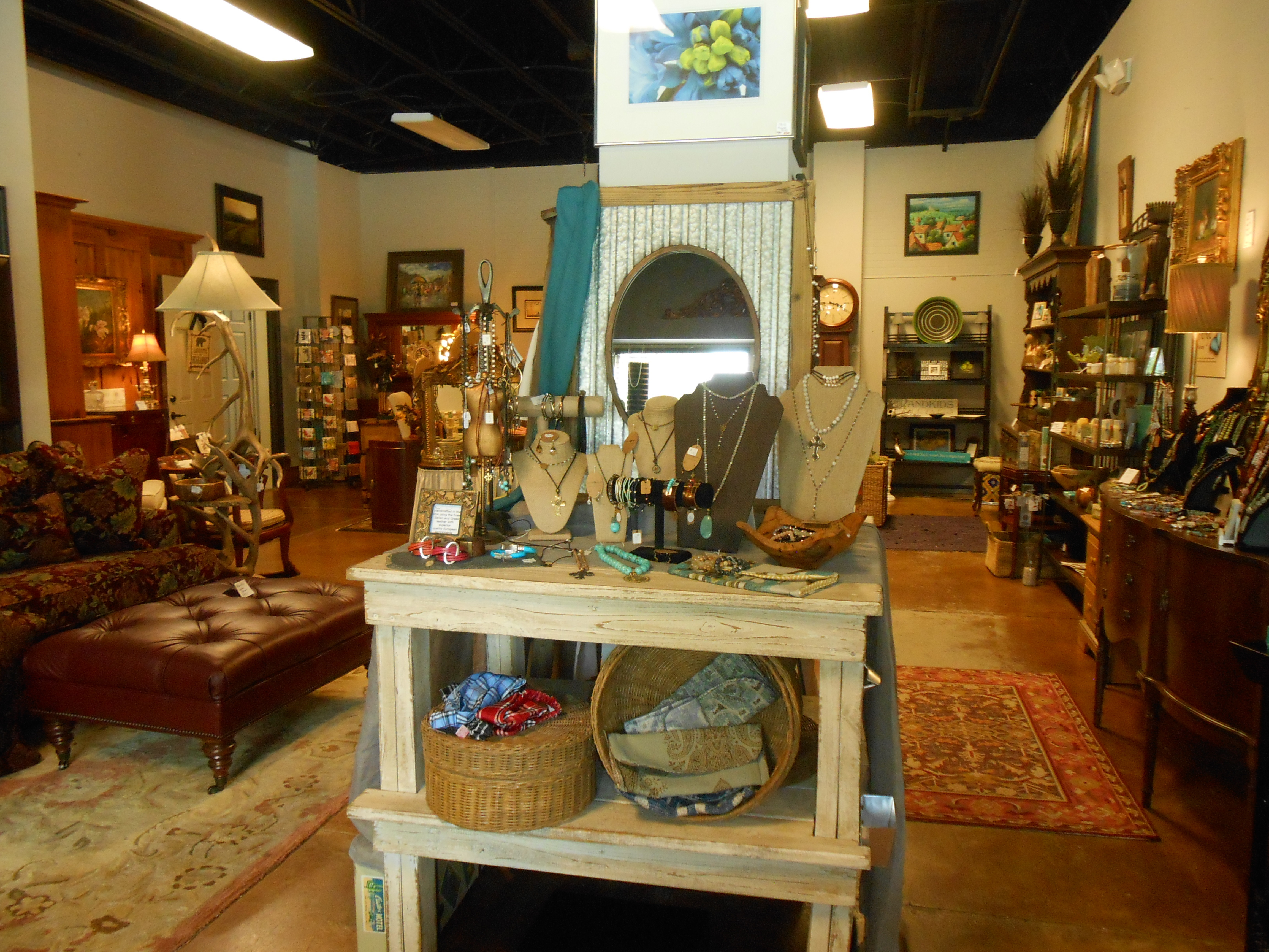 Twist Consignment and Gifts