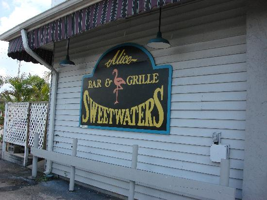 alice sweetwater's bar and grille naples florida