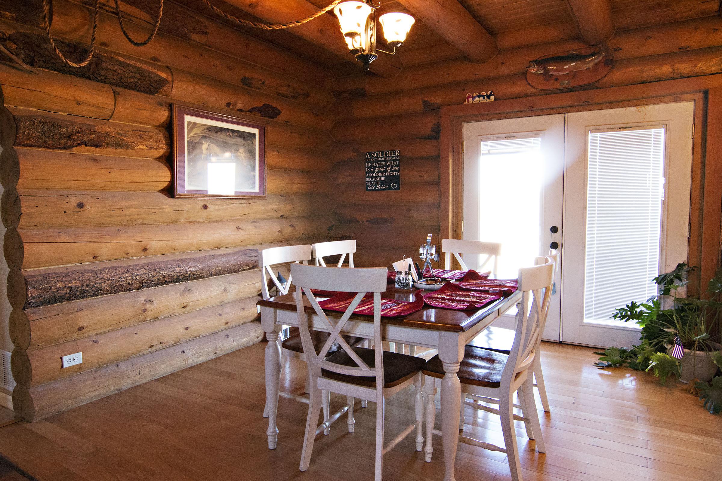 Elegant log home shop included gillette wy real estate for Elegant log homes