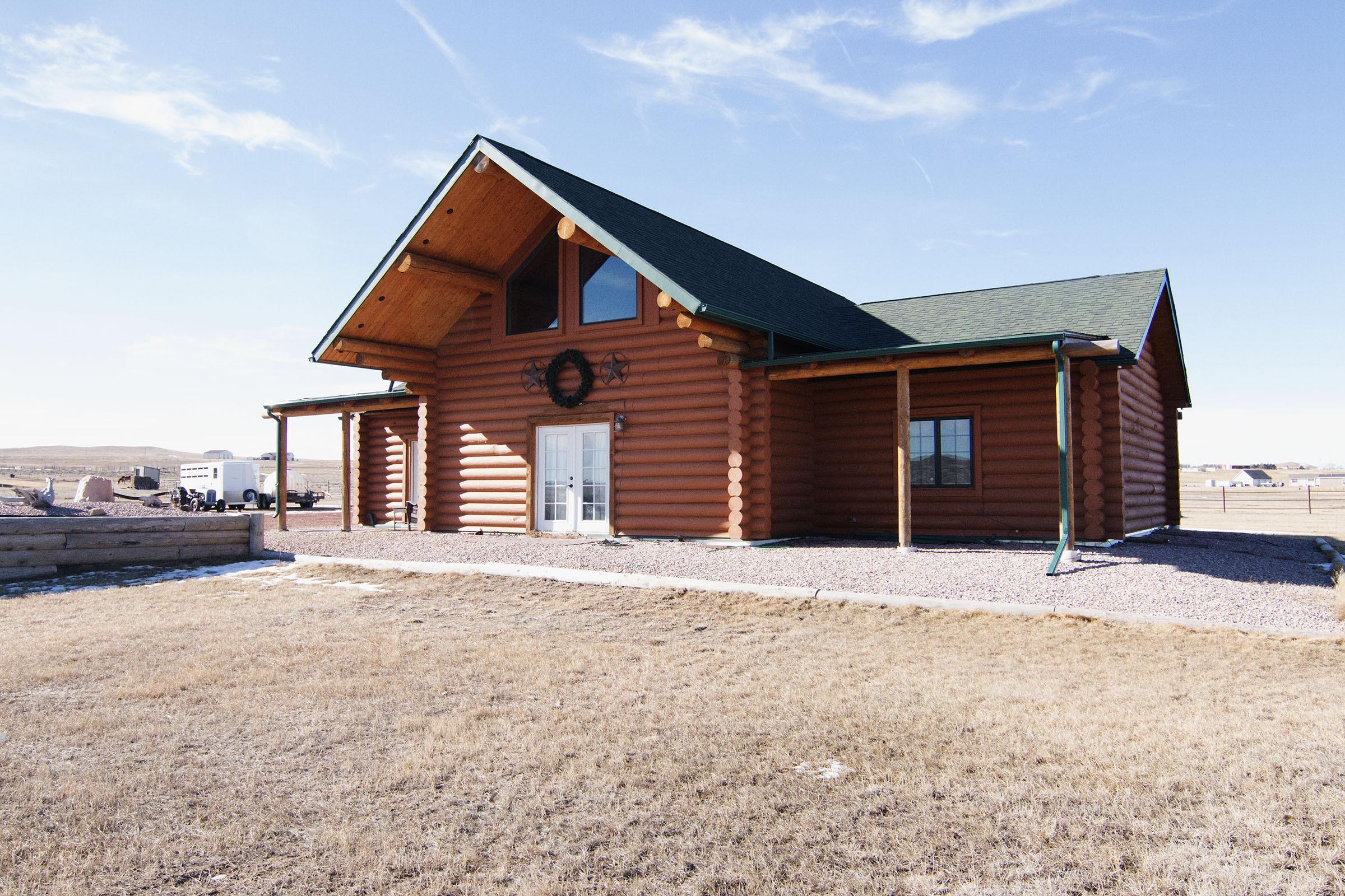 Elegant log home shop included for Elegant log homes