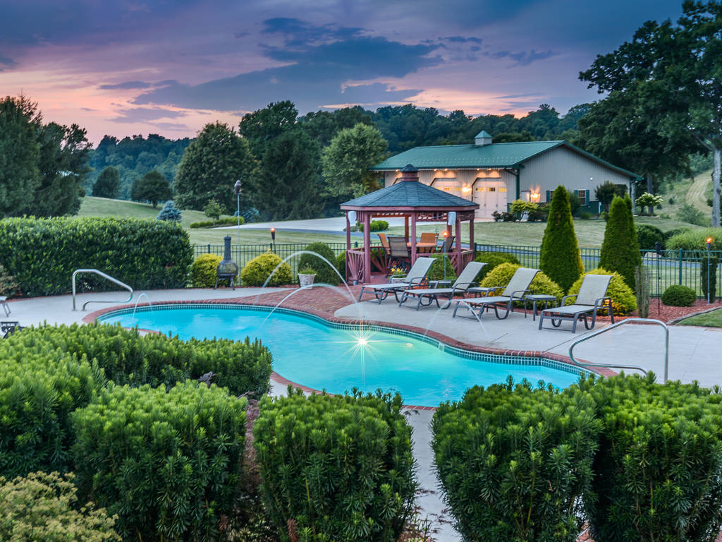 21 Acre Estate In Bluff City Tn Just Reduced To 1 699