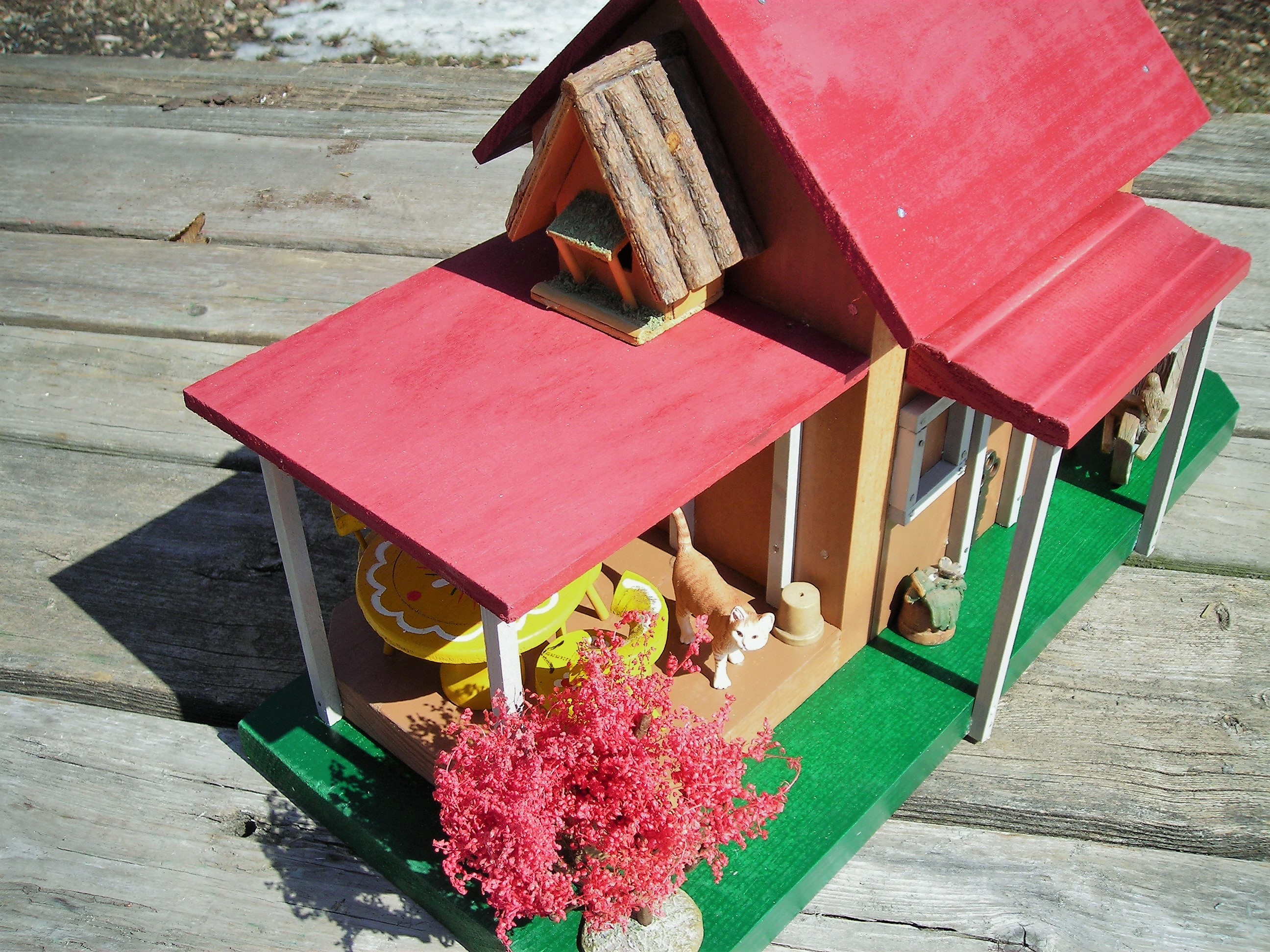 Rons Rustic Birdhouses Red Roof Cottage top