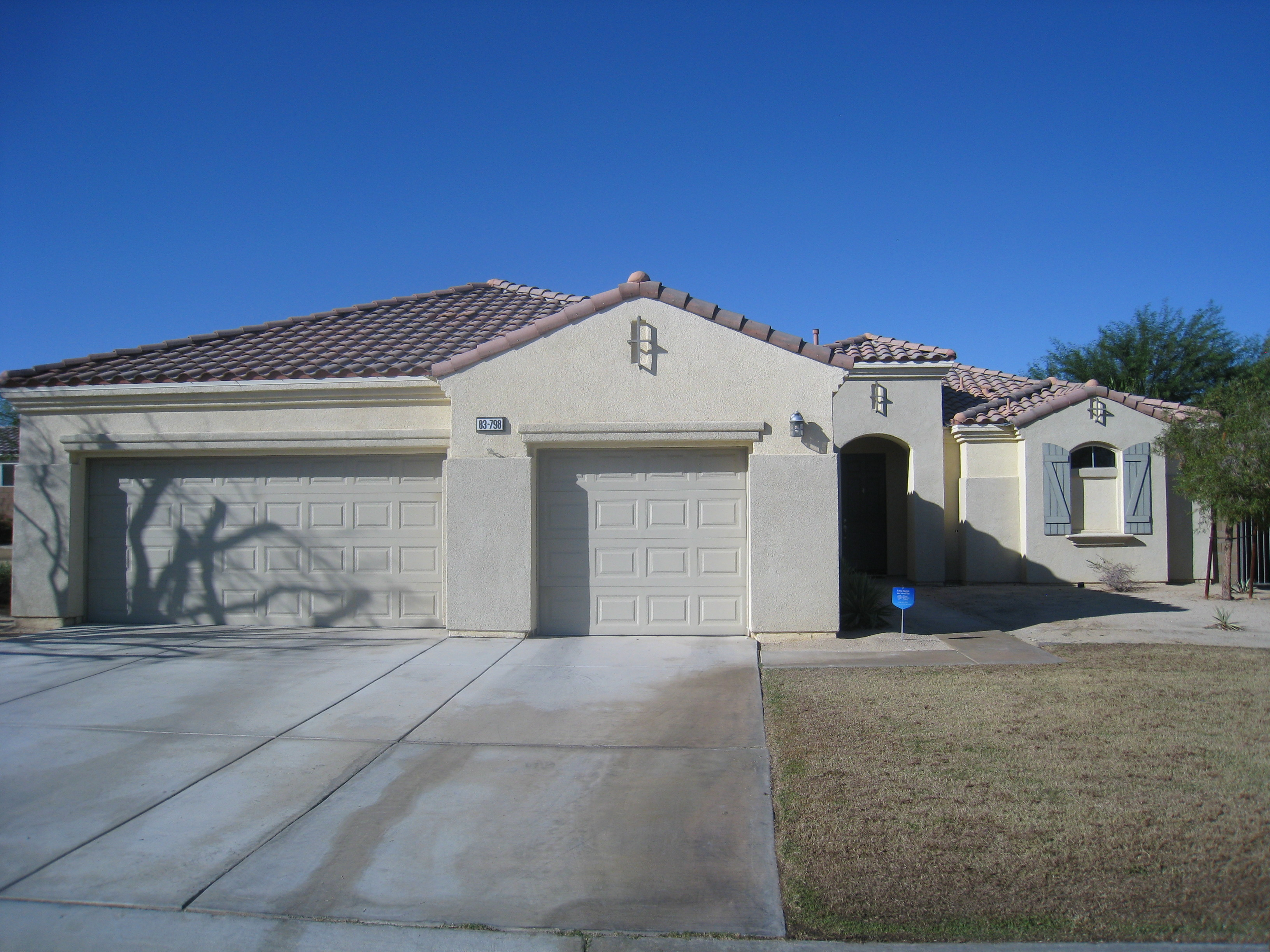 Desert collection 3 car garage home for sale indio ca for Homes with three car garages