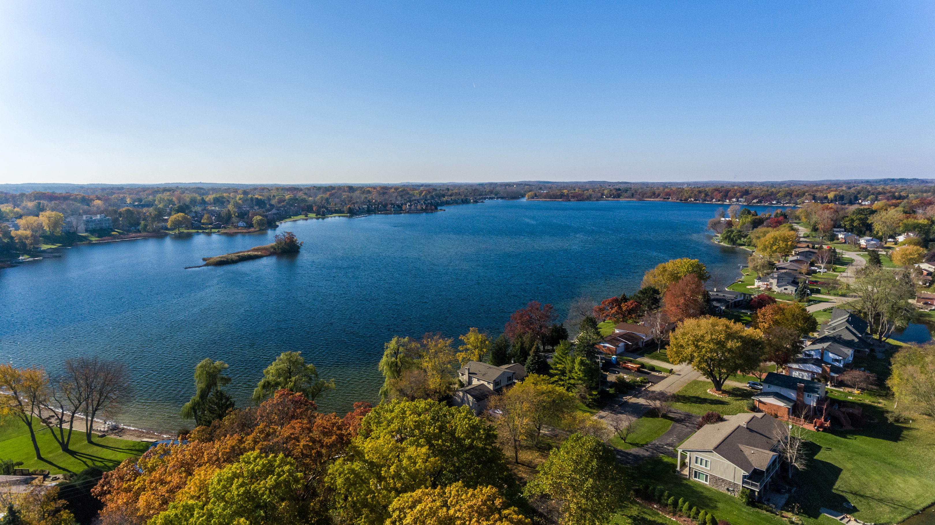 Astounding Loon Lake Homes For Sale Waterford Mi Oakland County Download Free Architecture Designs Salvmadebymaigaardcom