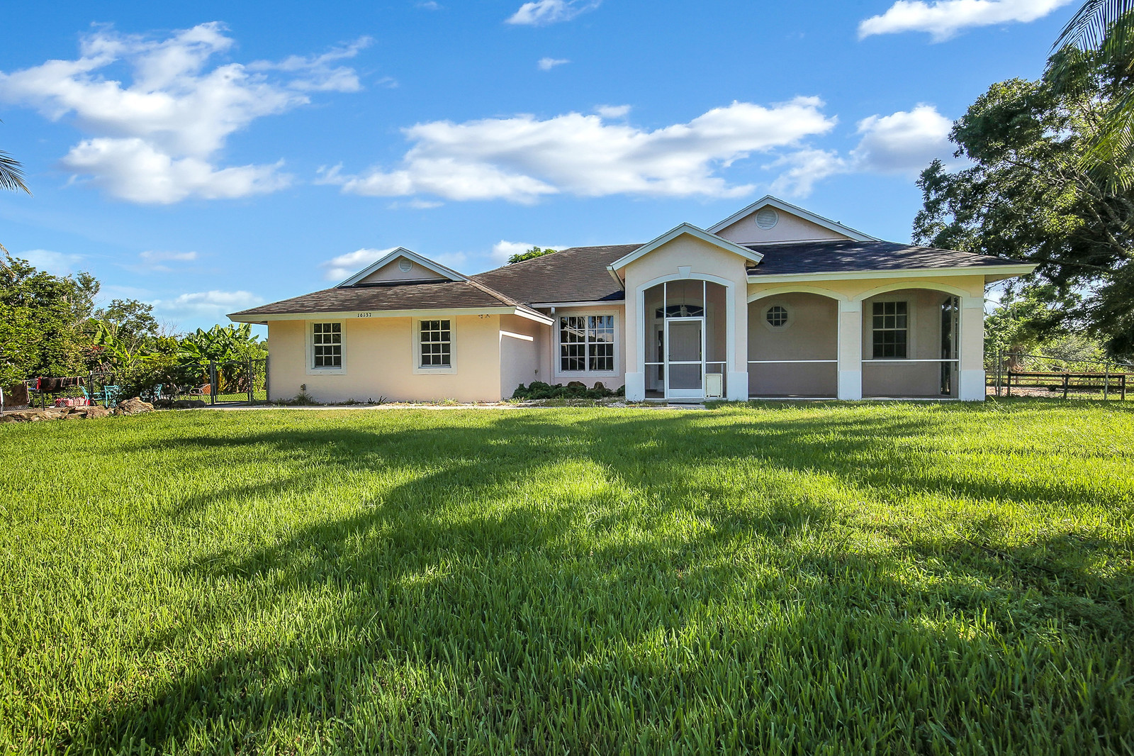 Loxahatchee FL Home For Sale by The Ryan Jennings Group