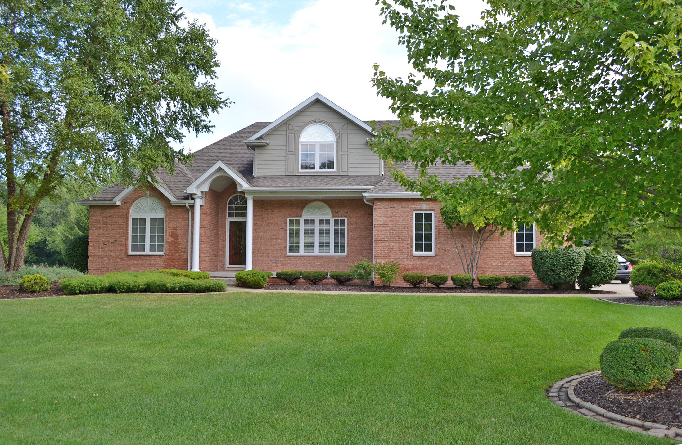 CRS referral relocating buyers wanted a CRS to represent them in the purchase of this Schererville Indiana Home